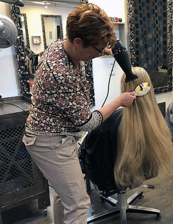 Coupe de cheveux au salon Rewellatif de Pouilley-Les-Vignes dans le Doubs - Centre commercial Super U #6
